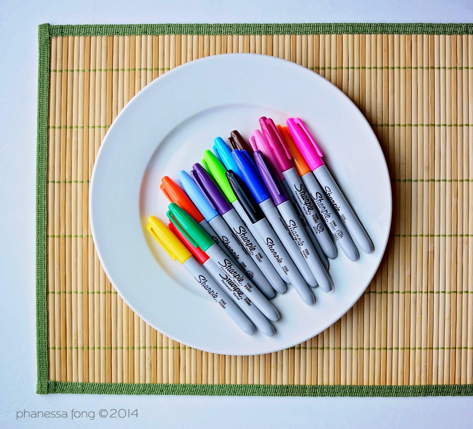 Ceramic Plate Sharpie Pens  sc 1 st  Phanessau0027s Crafts & Phanessau0027s Crafts: Personalized Sharpie Holiday Plate