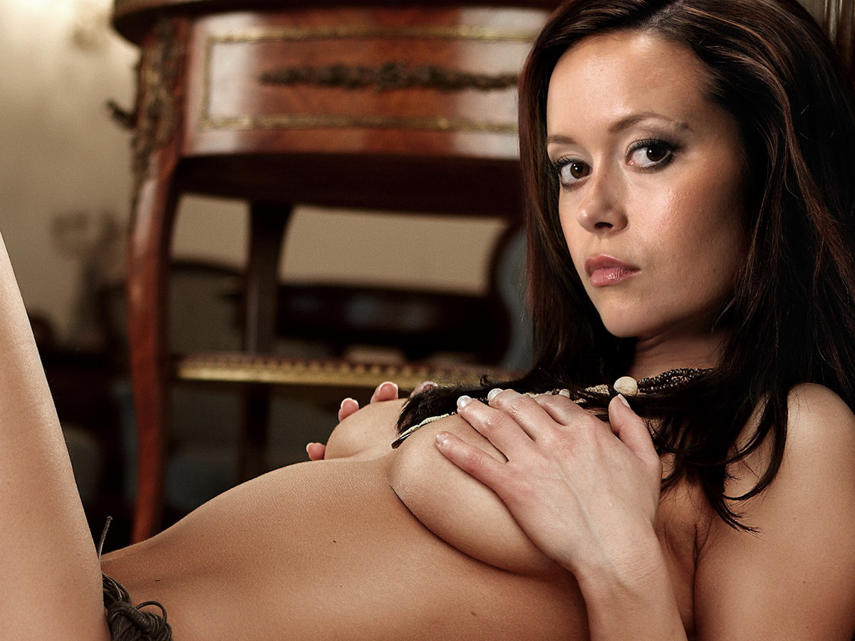 Summer Glau Nude On The Floor Touch Herself Boobs
