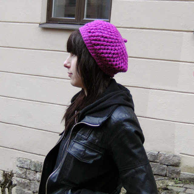 http://www.ravelry.com/patterns/library/puff-beret
