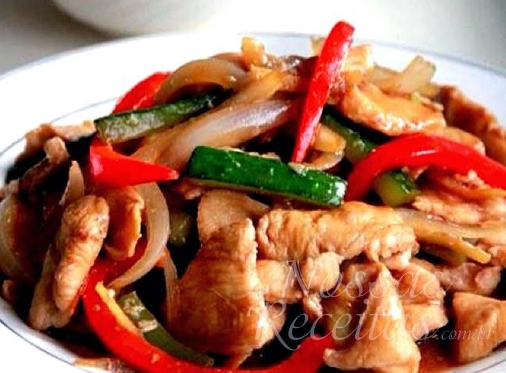 Receita de isca de frango com legumes