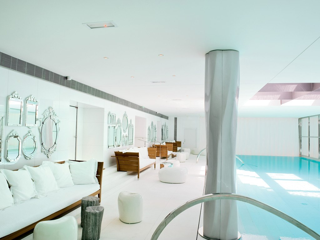 l art du toucher au spa clarins du royal monceau beautylicieusebeautylicieuse. Black Bedroom Furniture Sets. Home Design Ideas