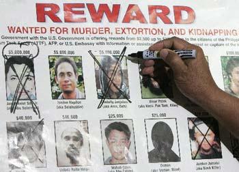 Filipinas: Comandante do Abu Sayyaf planeava atentados quando foi morto