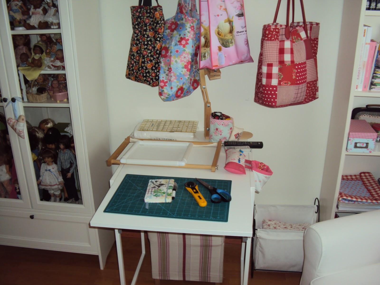Mercedes y sus mu ecas manualidades etc mi cuarto for Muebles para costura