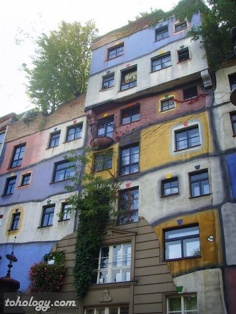 Дом Хундертвассера (Hundertwasser Haus)
