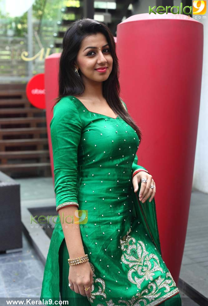 OnLy AcTrEsS: Honey Rose Photos In Kantharvan Movie