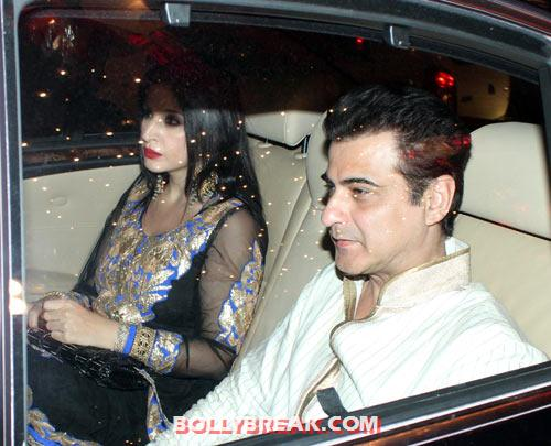 Maheep and Sanjay Kapoor - (18) - Amitabh Bachchan Diwali Bash Photos
