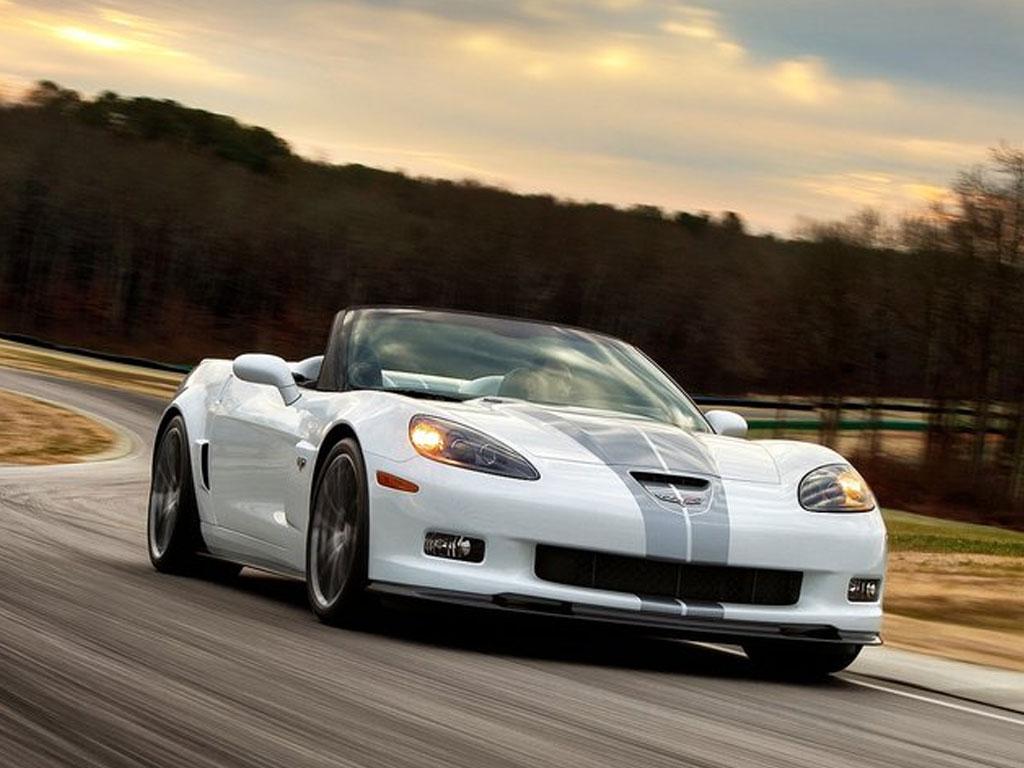 http://3.bp.blogspot.com/-wyVwvQx1kT8/Txe3gu0vCtI/AAAAAAAAKSc/jYE1I80lOQU/s1600/Chevrolet-Corvette-427-Convertible-%25282013%2529-2.jpg