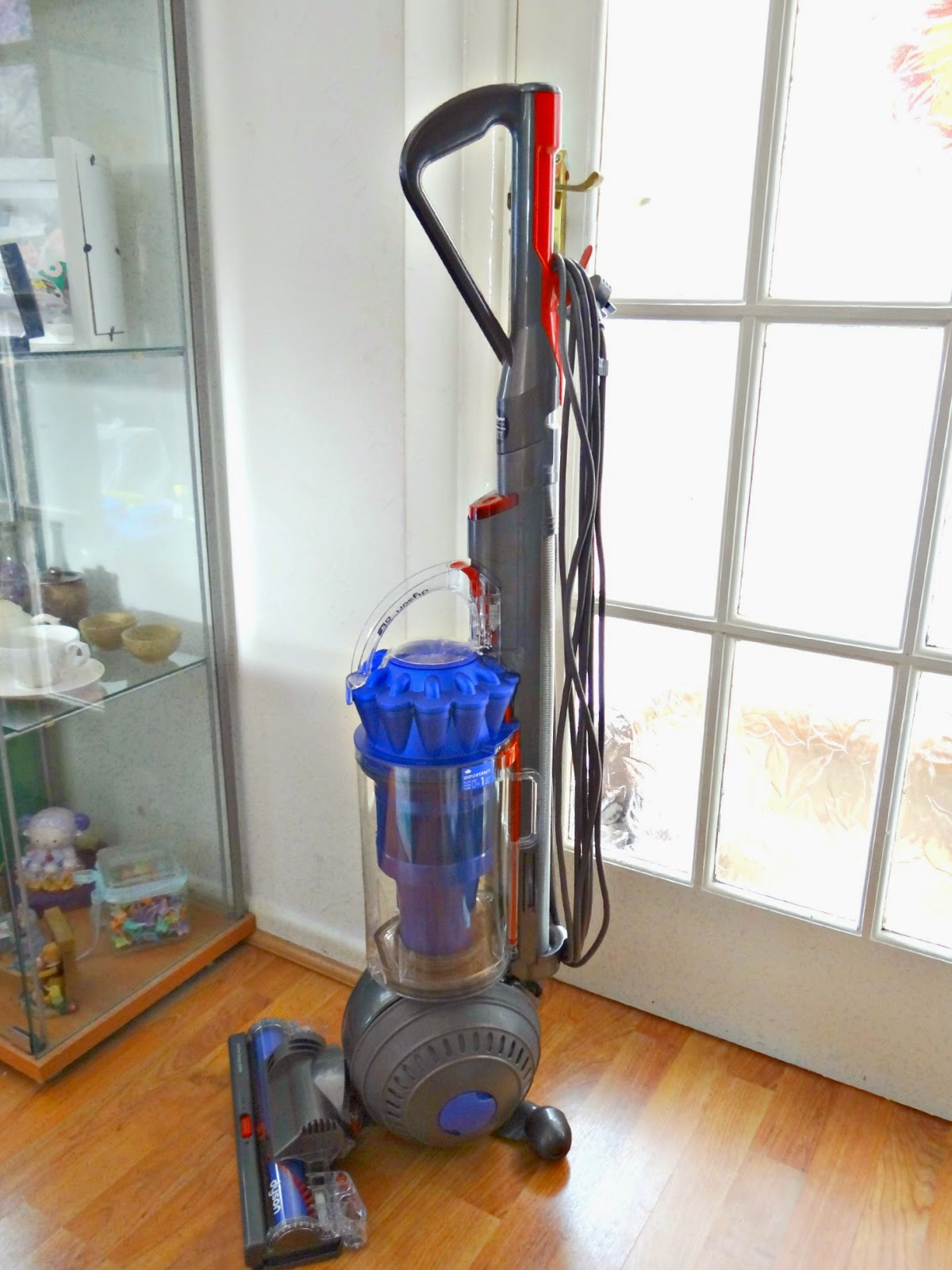 Dyson DC41 Animal upright vacuum cleaner, powerful vacuum cleaner within EU energy saving guidance, vacuum cleaner for animal home