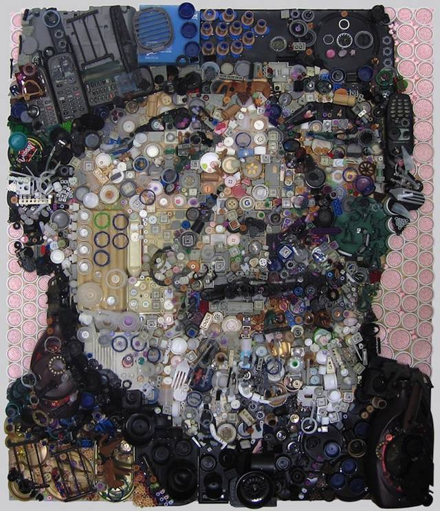 American artist Zac Freeman forms unique portraits out of all kinds of small and used materials. Each of his objects comes from scraps of trash that are leftover from the things that we regularly consume. From colored buttons and plastic bottle caps to metal tabs from soda cans, Freeman puts all of the unused and unwanted objects to use in a fresh new way.
