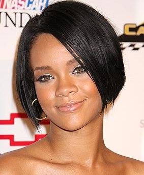 Siyah saçlara ugulanan en güzel ve en trend küt kesimler