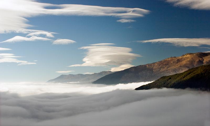 Resultado de imagen para Nubes y la Neblina