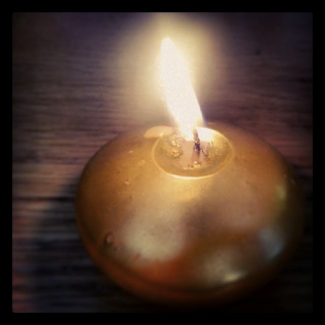 Practical Cookie Christmas Gold Candle