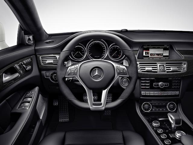вид с водительского сидения Mercedes-Benz CLS 63 AMG Shooting Brake 2013