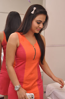 hot,wet,aksha,latest,free photos,free pics,wallpapers,free,download
