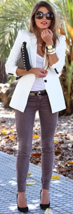White V-Neck Shirt, Gray Skinny Jeans, Black Pumps, White Blazer
