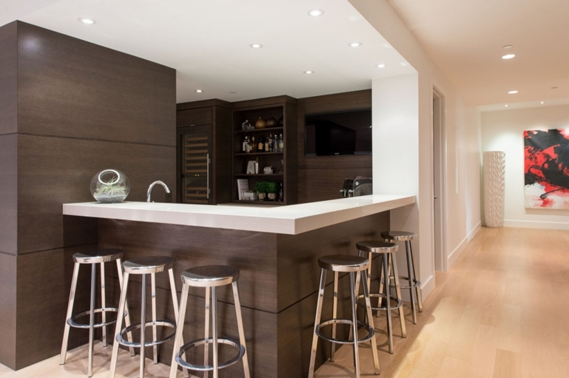 Bar in Elegant modern house in west Vancouver, Canada