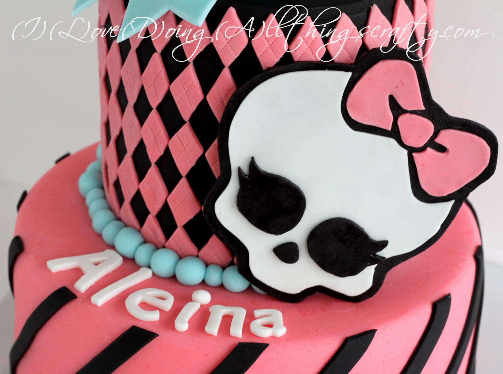 I Love Doing All Things Crafty Monster High Cake For Aleina