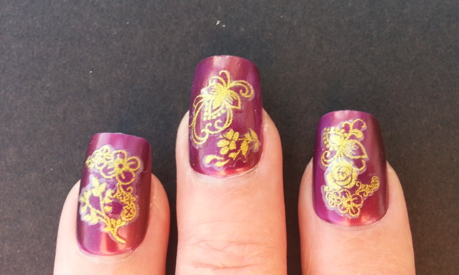 Great Lashing Nail Art Gold Embossed Burgundy