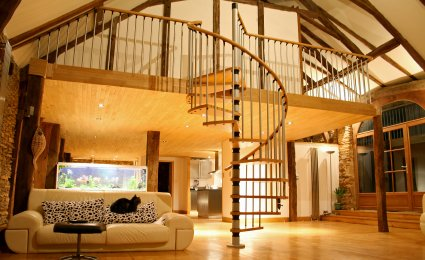 Construct a mezzanine floor in a loft for How to build a mezzanine floor in your home