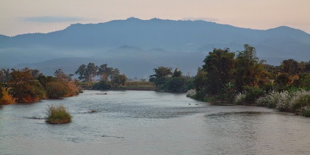 Aller de Chiang Rai à Thaton en bateau - la rivière