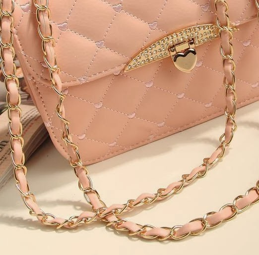 http://www.aliexpress.com/item/Hot-sell-evening-bag-Peach-Heart-bag-women-leather-handbags-Chain-Shoulder-Bag-women-messenger-bag/1274761278.html