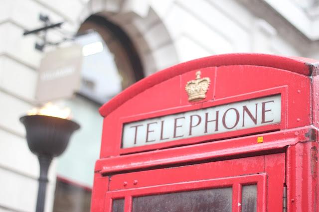 maituins-londres-londrontrip-picadilly-cabina-telefono