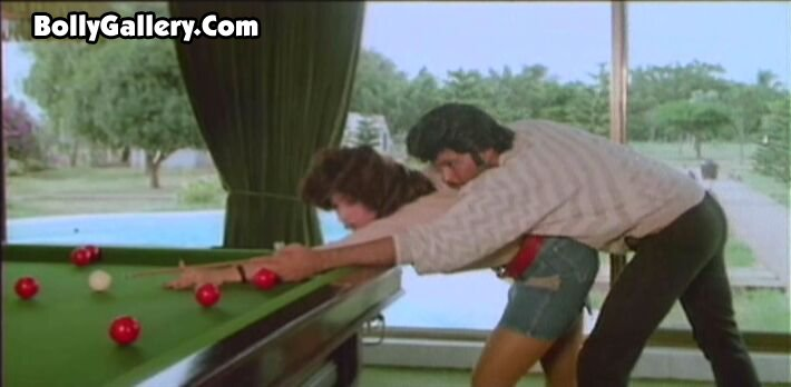 Sexy Dimple Kapadia butt hindi film actress