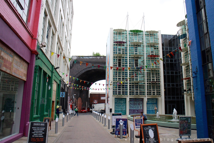 Birmingham, BrindleyPlace, food, library, lifestyle blogger, reservoir, The Custard Factory, the secret garden, The Slug and Lettuce