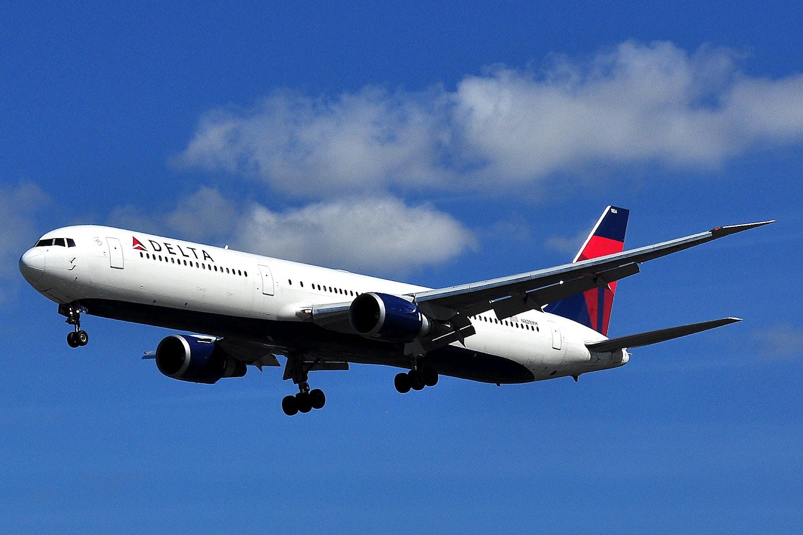 http://3.bp.blogspot.com/-wzx3IMtP_7U/T_mN85R50NI/AAAAAAAAKk4/wbP0Igq41DI/s1600/boeing_767-400_delta_airlines.JPG