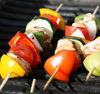 grilling shishkabobs