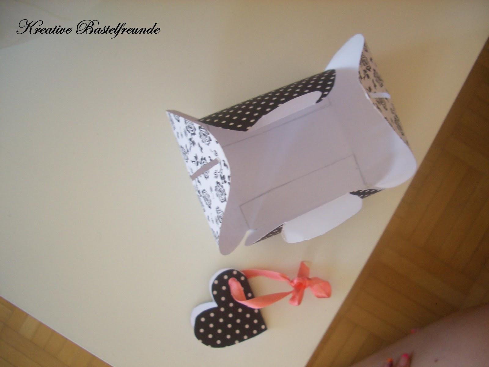 kreative bastelfreunde geschenkverpackung. Black Bedroom Furniture Sets. Home Design Ideas