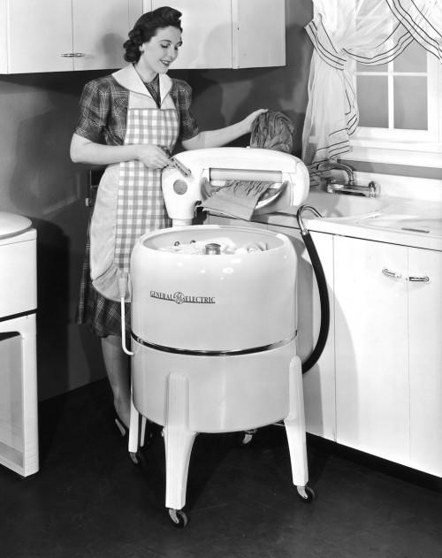 1930s washing machine