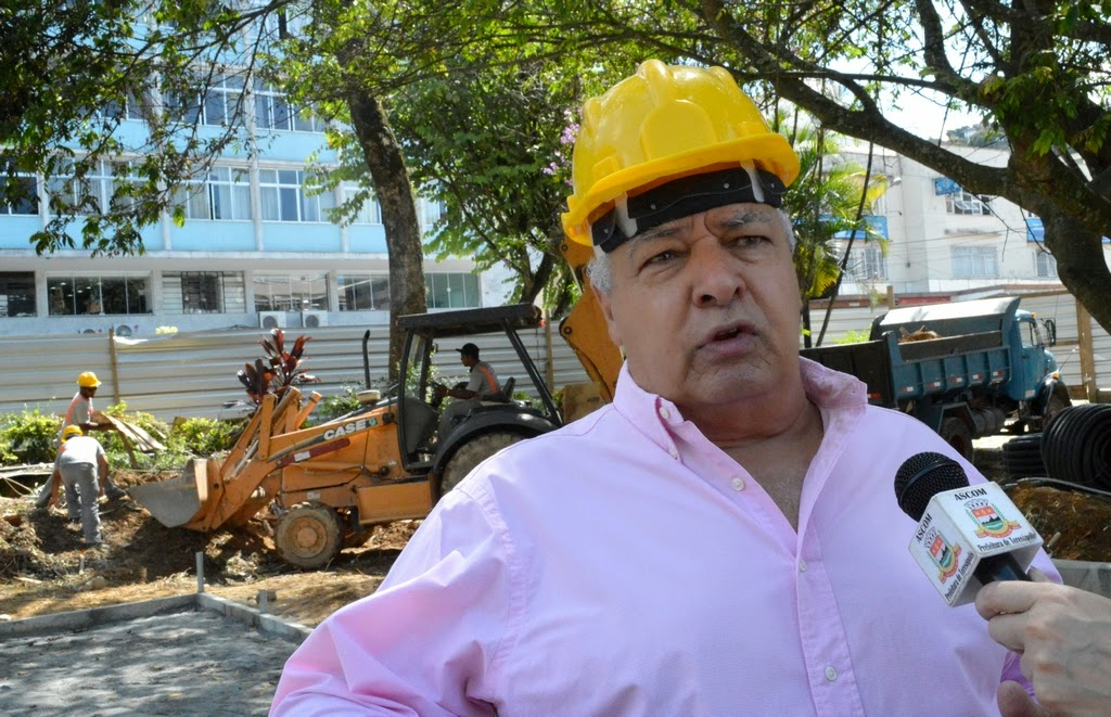 Secretário José Carlos Cunha acompanha andamento da obra