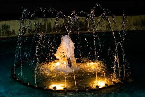 Chorros cristalinos de Agua - BOQUILLAS PARA FUENTES \