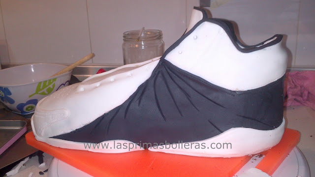 Tarta zapatilla fondant 1