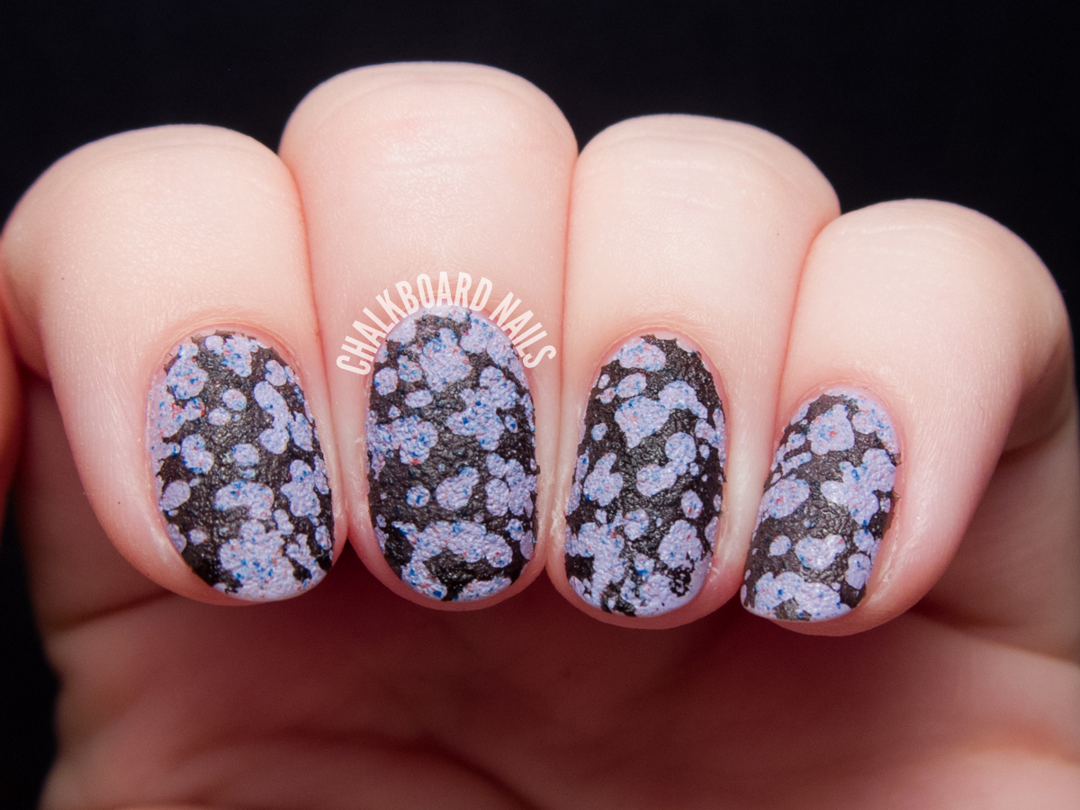 Textured spotted stamping by @chalkboardnails