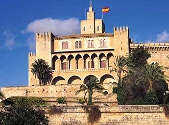 Vista exterior del Palacio de la Almudaina - Mallorca