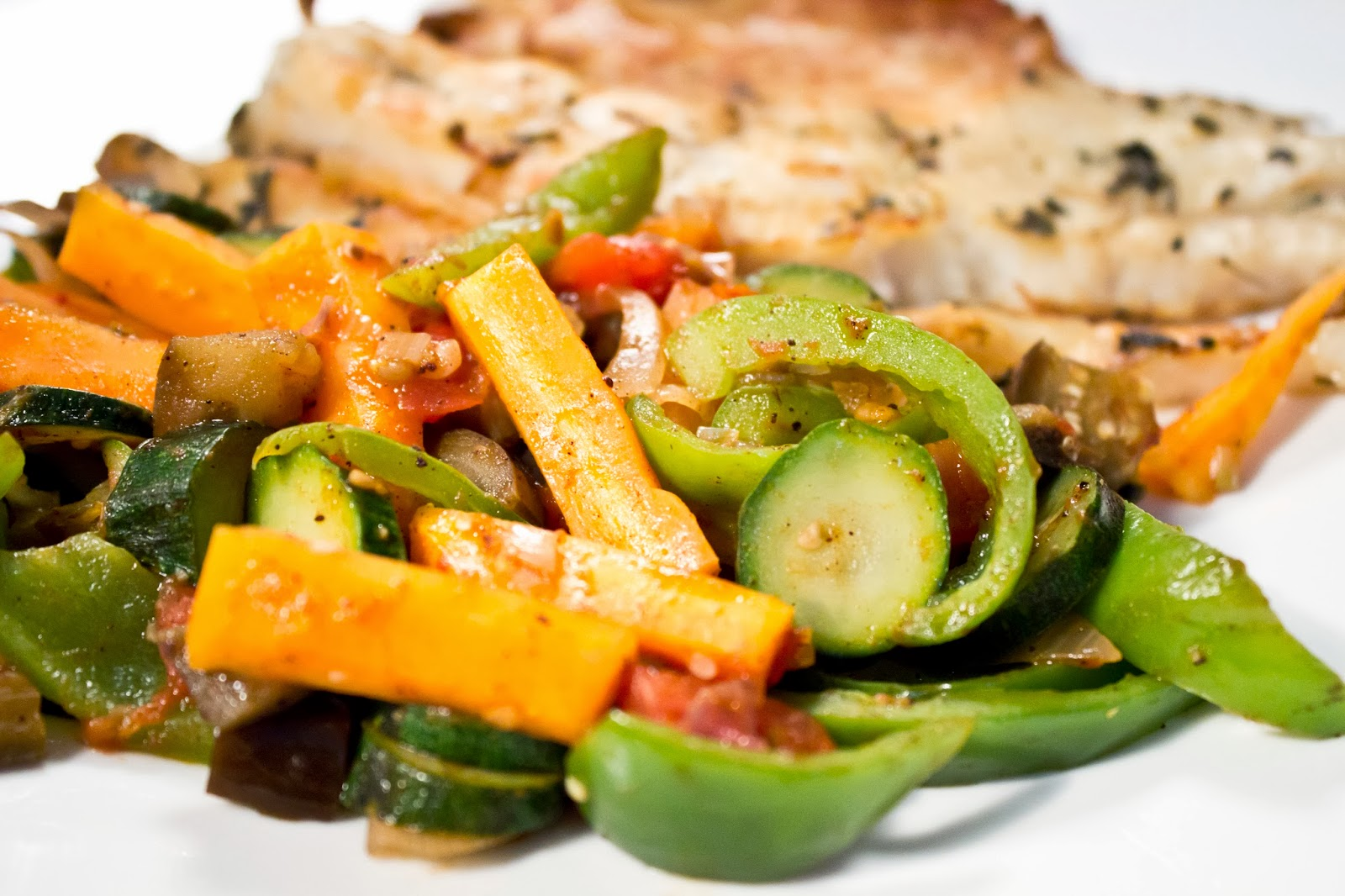 Arti arte a lifestyle blog herbed grilled fish with for Fish with vegetables