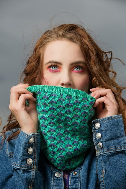 Ravenna mosaic cowl pattern by Katya Frankel for Knitscene Winter 2014