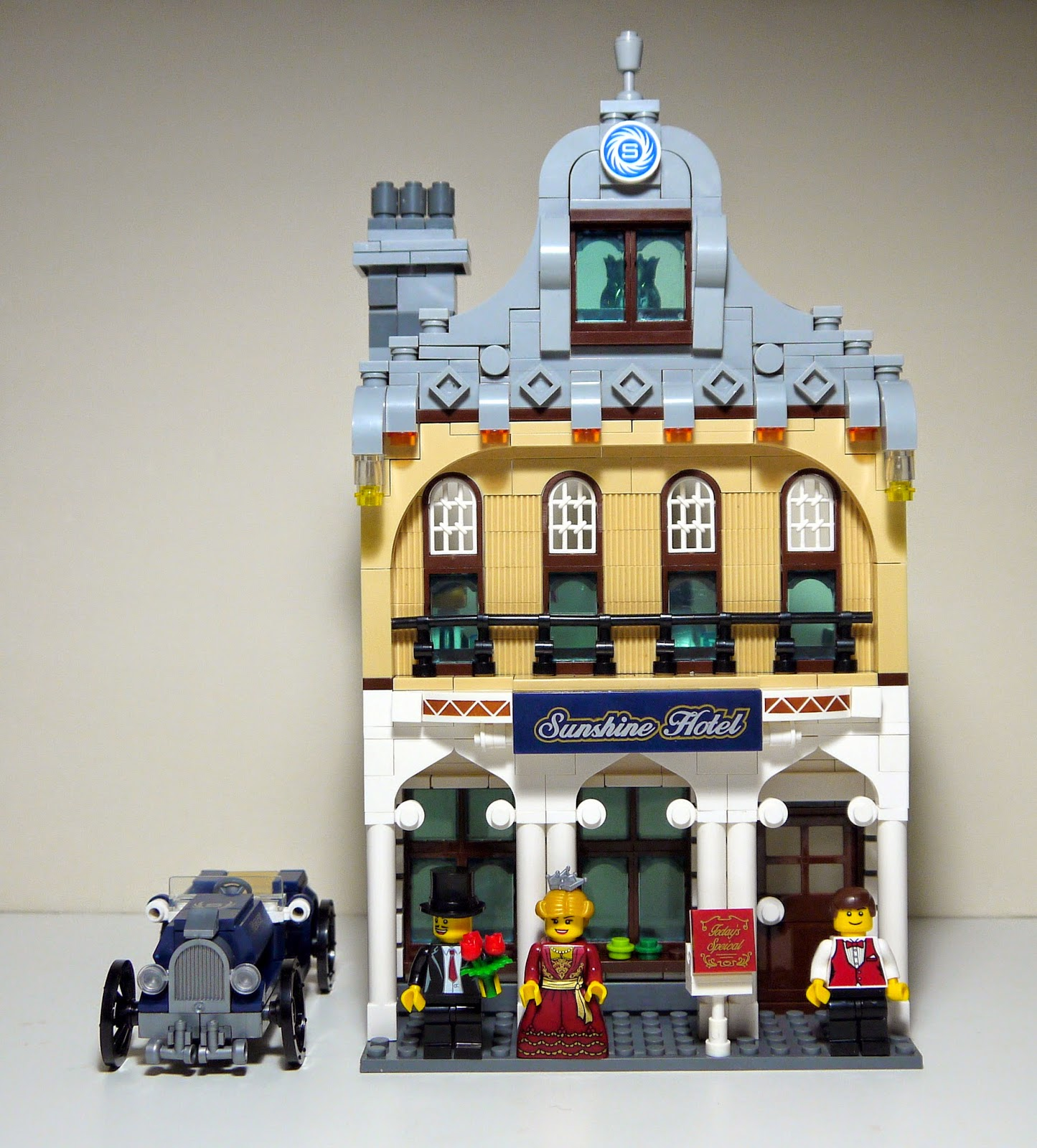 Bricks And Figures Enlighten 1127 Sunshine Hotel Set Review