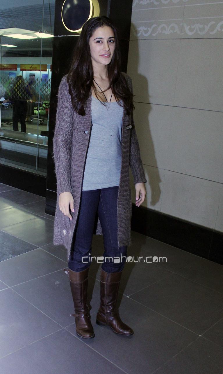 , Nargis Fakhri Snapped At Mumbai Airport - Real Life Pics
