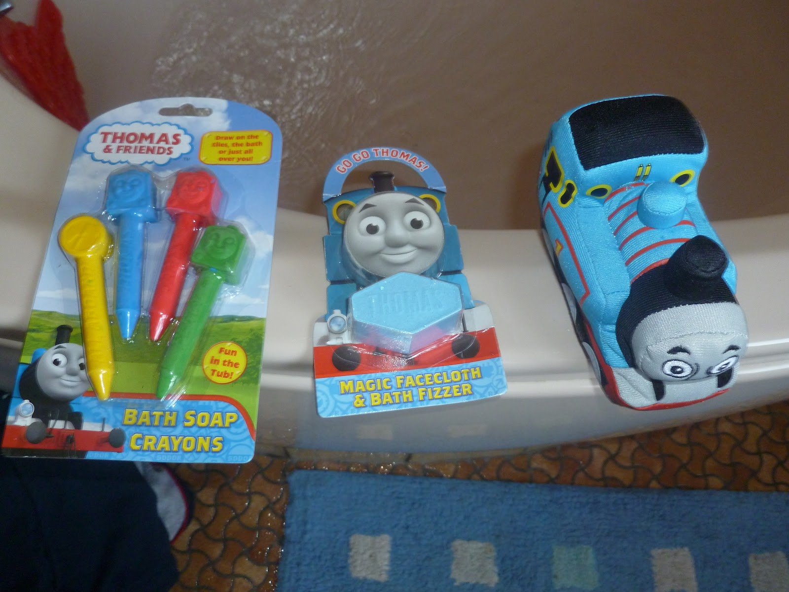 Madhouse Family Reviews: Thomas the Tank Engine Bathtime Products review