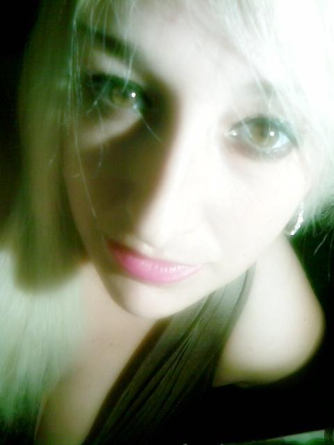 Si de verdad me quieres, no es necesario que me lo digas,  solo mirame