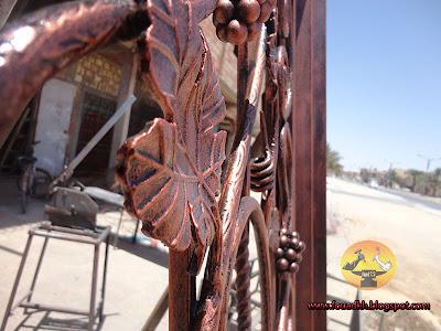 من أعمالي باب المزهرية باب حديد مشغول Fer forgé على شكل شجرة عنب