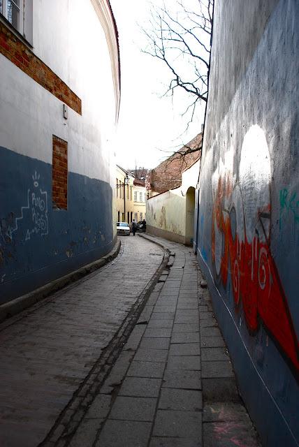 The smallest street in Vilnius - Siauriausia Vilniaus gatve
