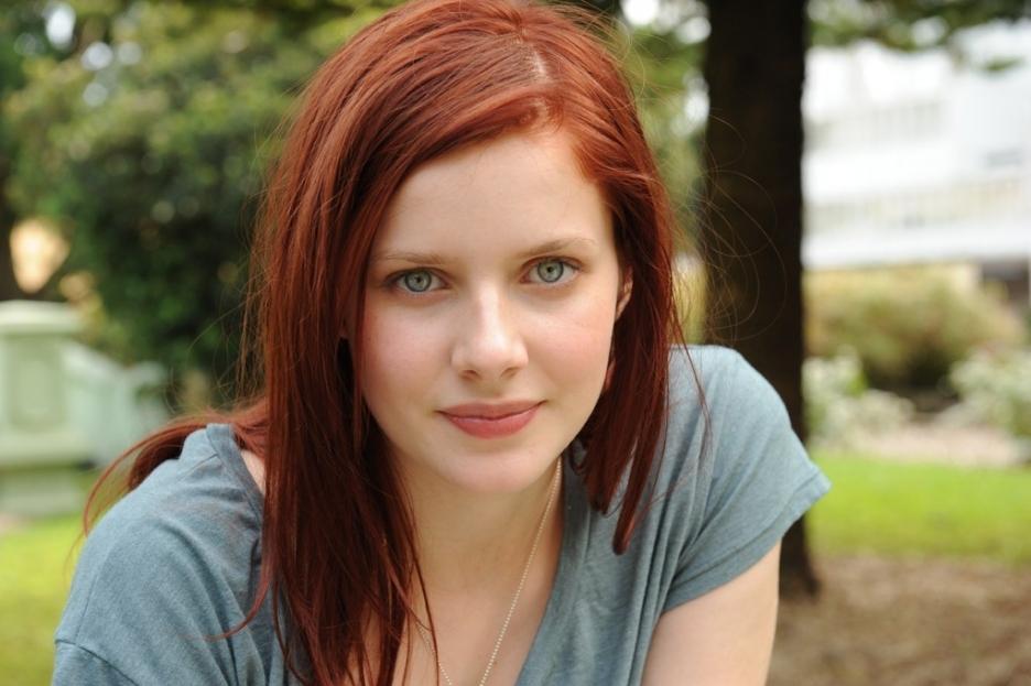http://3.bp.blogspot.com/-x1OwVzgau1Q/TgEOhom1UXI/AAAAAAAAEWE/E_BVVI3oq_o/s1600/Rachel-hurd-wood-Hairstyles.jpg
