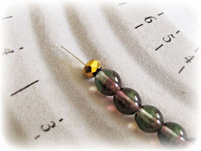 image tutorial diy contrasts bracelet freshwater pearl purple thread beads onto nylon coated wire