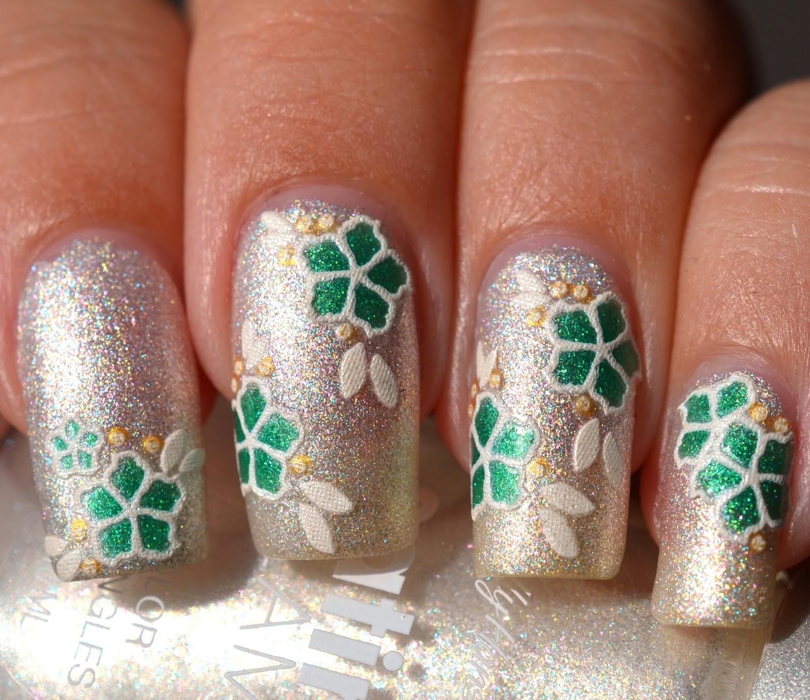http://lenas-sofa.blogspot.de/2014/06/sally-hansen-satin-glam-02-crystalline.html