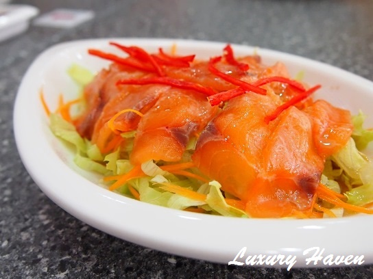 moses lim praise gourmet salmon yusheng