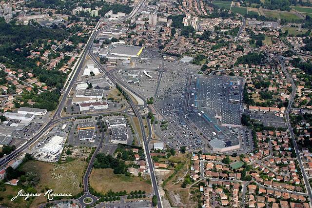 Zone commerciale Carrefour Mérignac Soleil